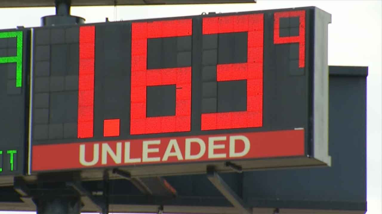 Low Gas Prices Fueling Drivers To Hit The Road For the Holidays