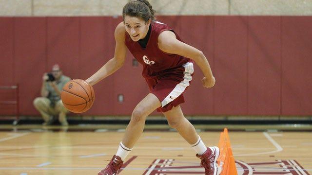Edwards, Manning Lead OU Women's Basketball Past Washington