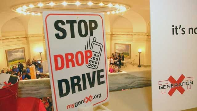 Oklahoma Teens Push For Texting While Driving Ban At State Capitol