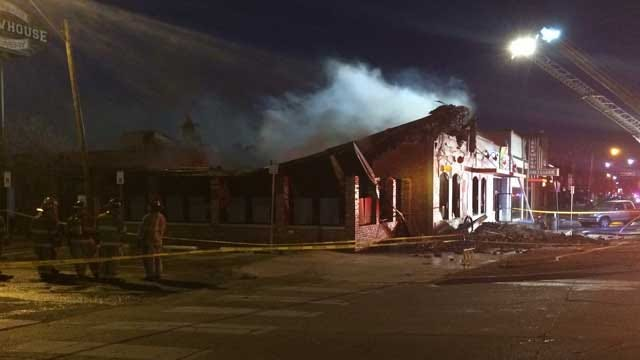 Authorities Investigate Fire At S&B Burger Restaurant In Norman
