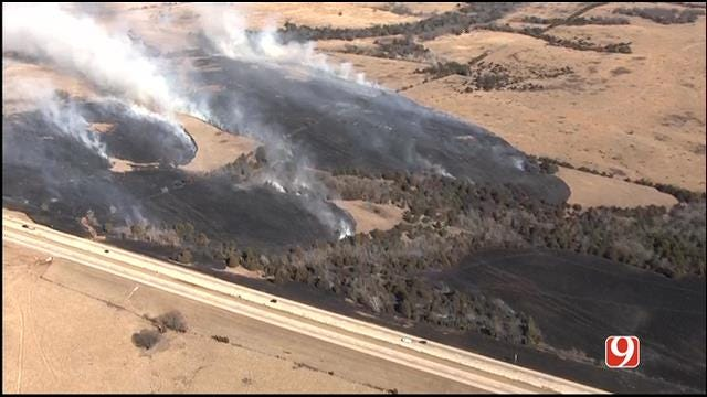 Crews Contain Grass Fire Near I-35 In Logan County