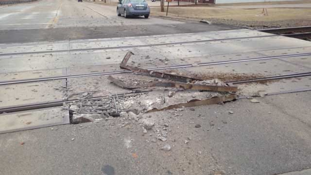 SE 4th Closed In Moore Due To Damaged Railroad Tracks