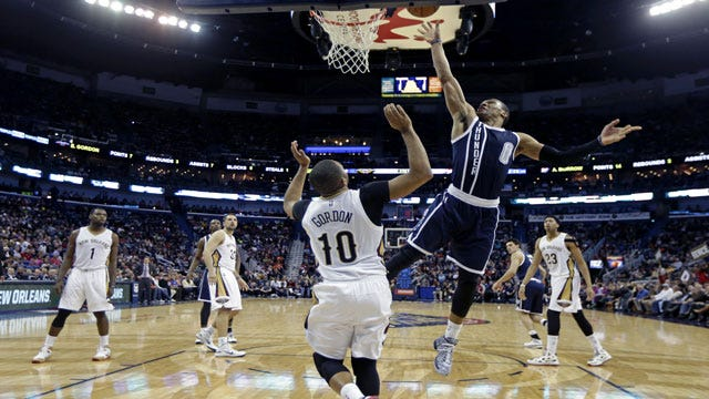Westbrook Drops 45 On Pelicans As Thunder Creeps Closer To Playoffs
