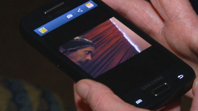 Metro Woman Uses App To See Who Allegedly Stole Her Cell Phone