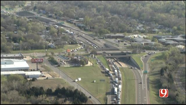 Northbound I-35 Shut Down After Two Semis, Pickup Collide