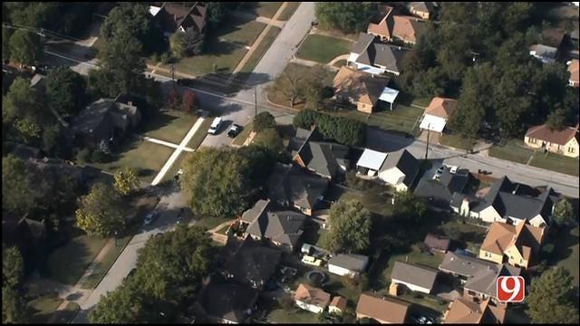 OKC Police Investigate Murder-Suicide After 2 Found Dead In Backyard