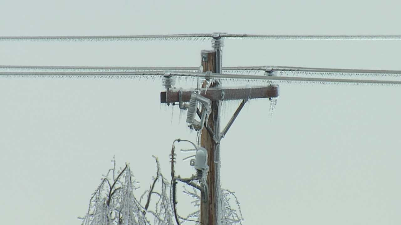 OG&E Working Round The Clock To Restore Power