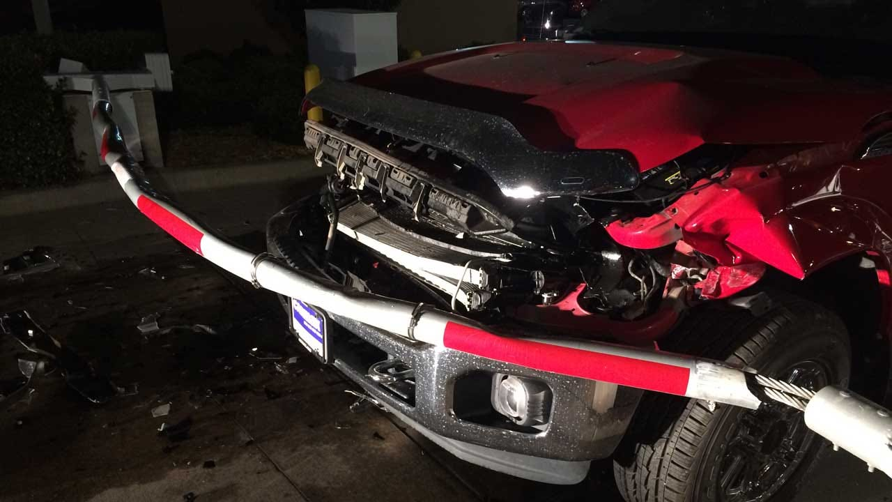 Suspect Tries To Steal Pickup From Metro Carmax, Ends Up Crashing It
