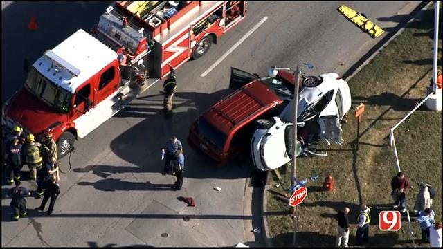 Crews Respond To Rollover Crash In Bethany
