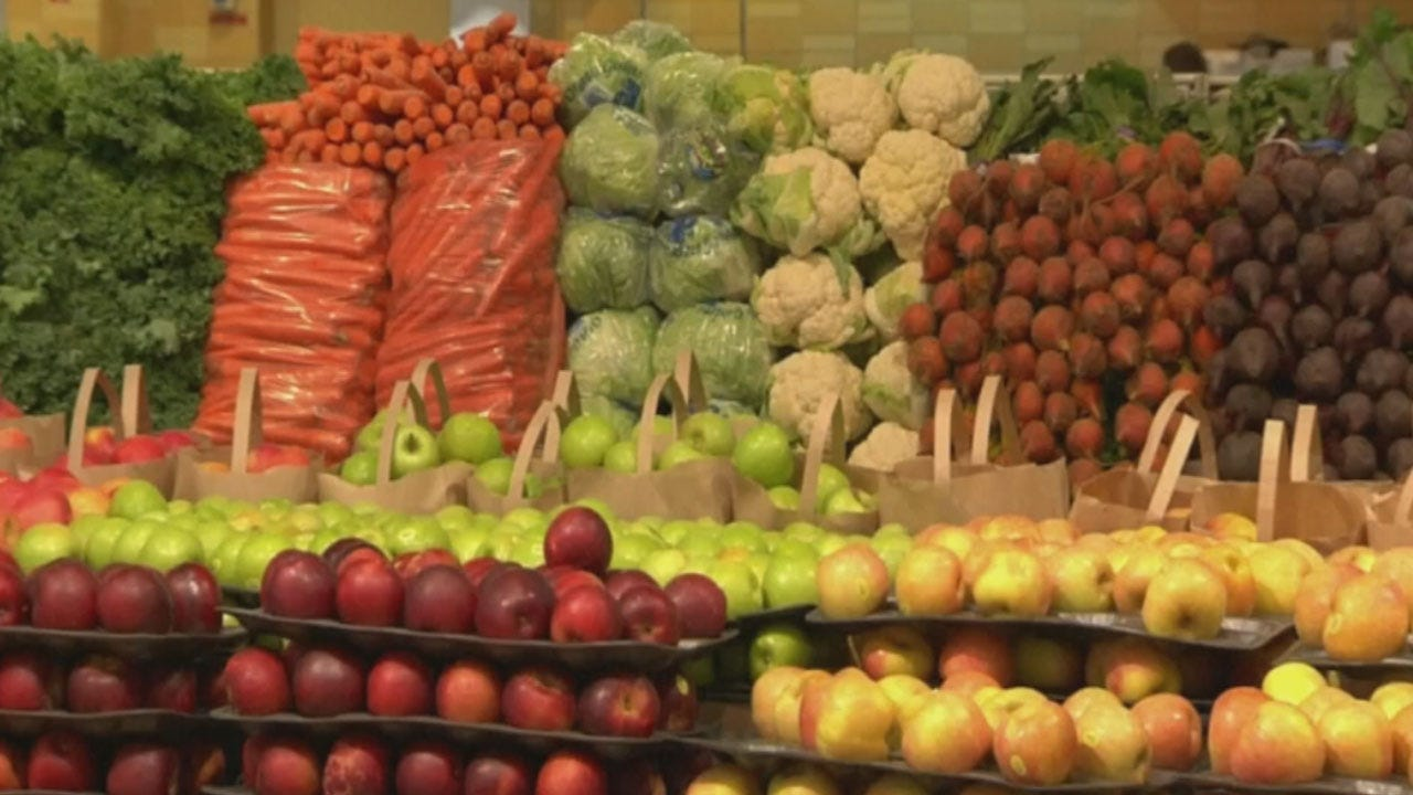 Police: Man Rubbed Produce On Bare Butt, Then Put It Back On Display