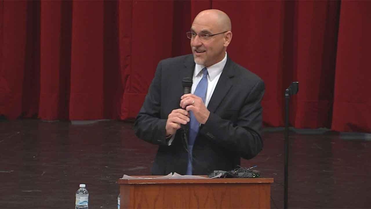 Teachers Union Reacts To Developments In Status Of Superintendent Rob Neu