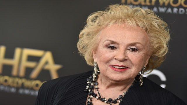 "Doris Roberts, ""Everybody Loves Raymond"" Star, Dies At 90"