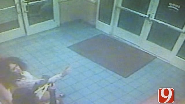 Surveillance Video Shows Woman Spraying Pepper Spray At IHOP