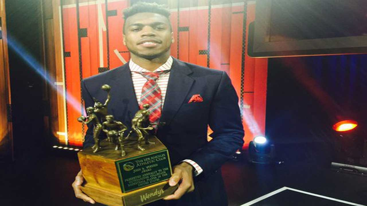 OU's Buddy Hield And UConn's Stewart Win Wooden Awards