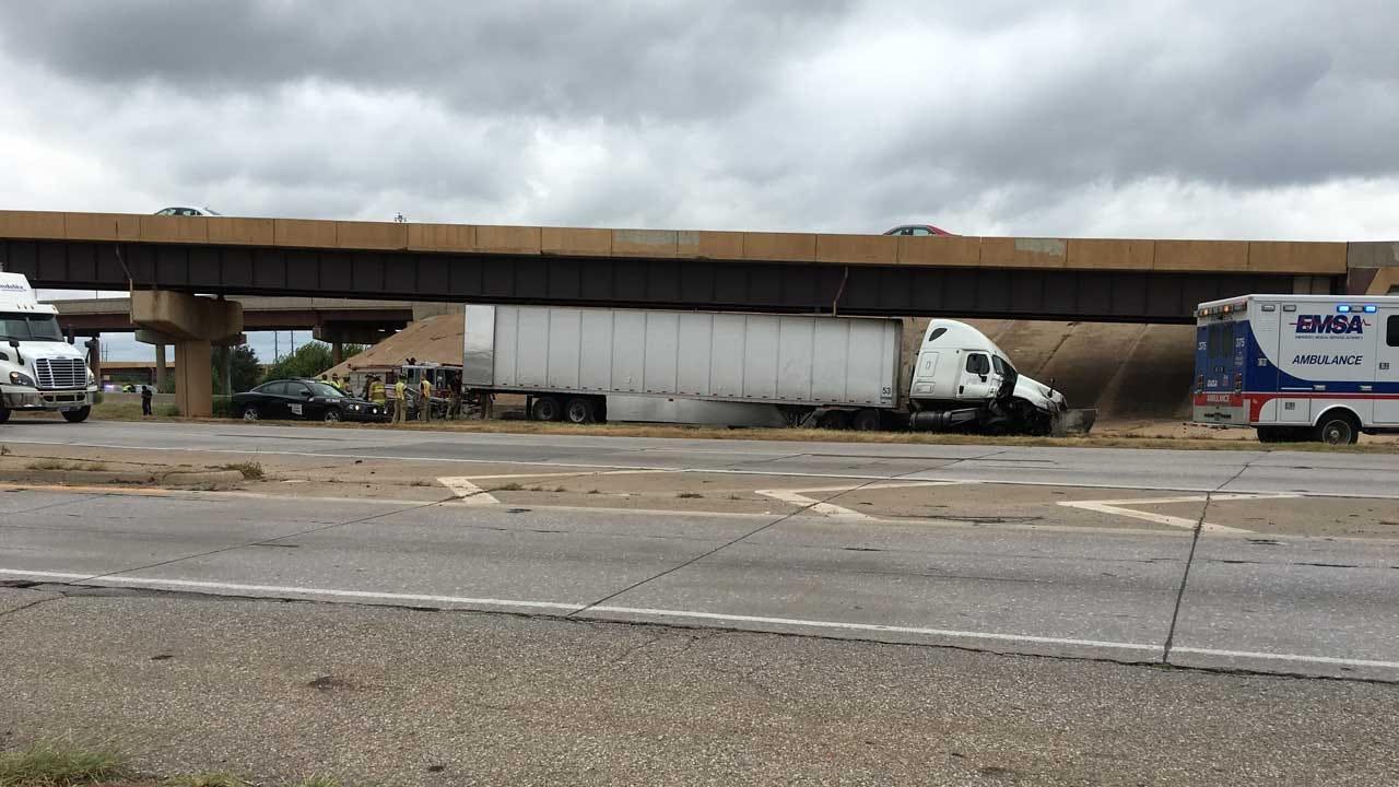 I-44 NB Off-Ramp To I-40 WB Reopens Following Crash Involving Semi