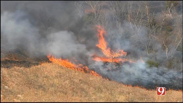 Crews Contain Grass Fire In Far South OKC