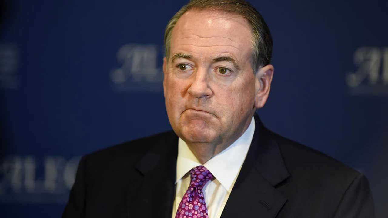 Mike Huckabee Suspends His Presidential Campaign