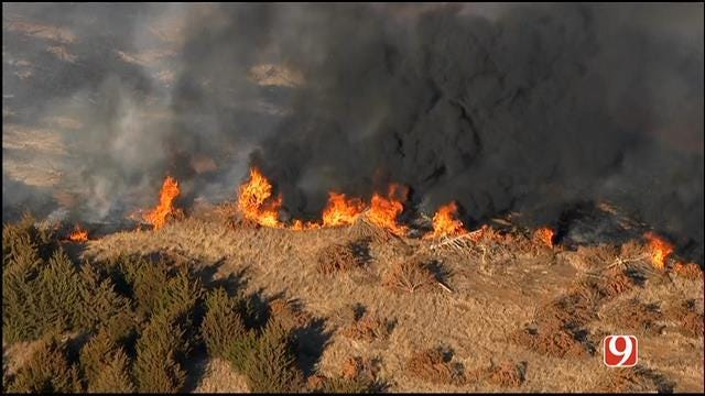 Firefighters Battle Large Grass Fire In Payne County