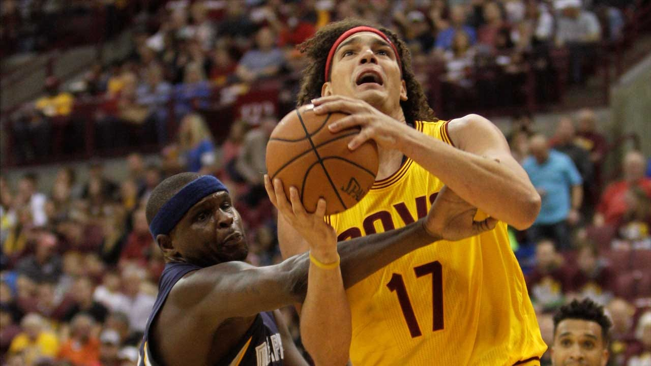 Report: Thunder Strongly Interested In Varejao