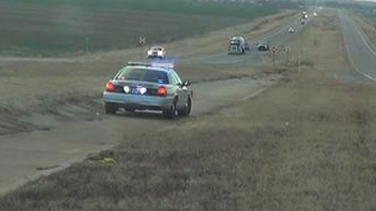 Woman Killed After Being Hit By Vehicle At Highway 81, I-40 In Canadian Co.