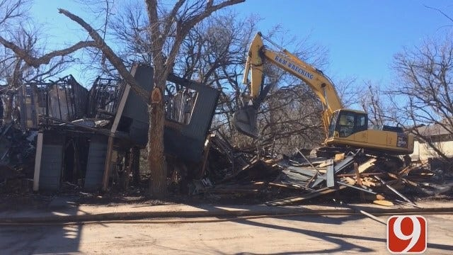 Crews Begin To Demolish Lantana Apartments In OKC