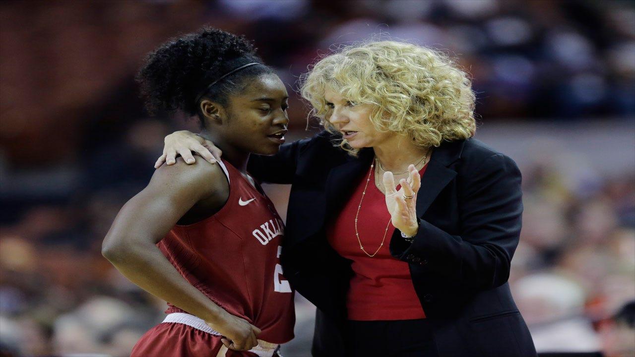 OU Women: Williams Scores 32 as No. 23 Sooners roll Iowa St. 85-54