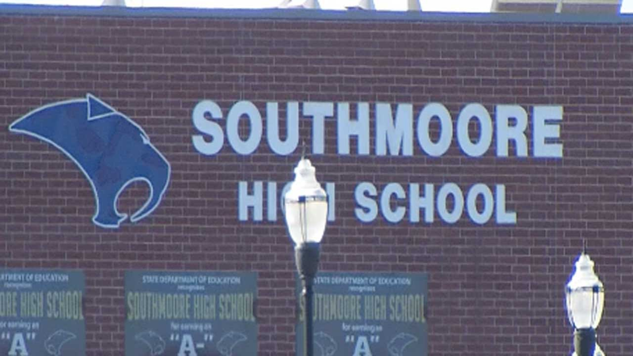 Southmoore Wrestler Charged With Rape