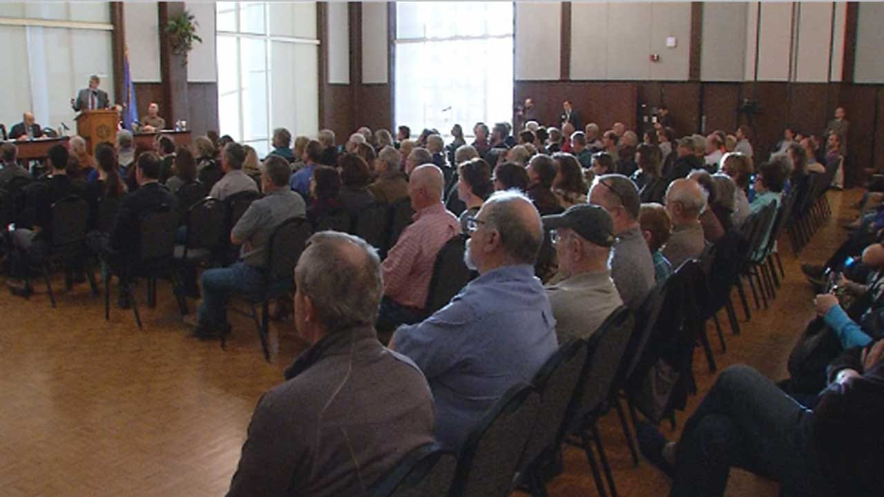 Edmond Earthquake Town Hall Meeting Gets Heated