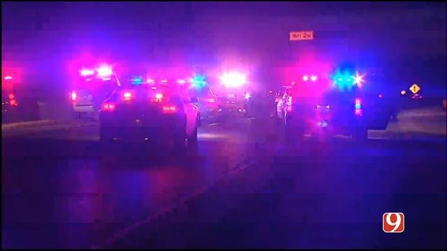 Suspect Surrenders After Chase, Standoff On SB I-35