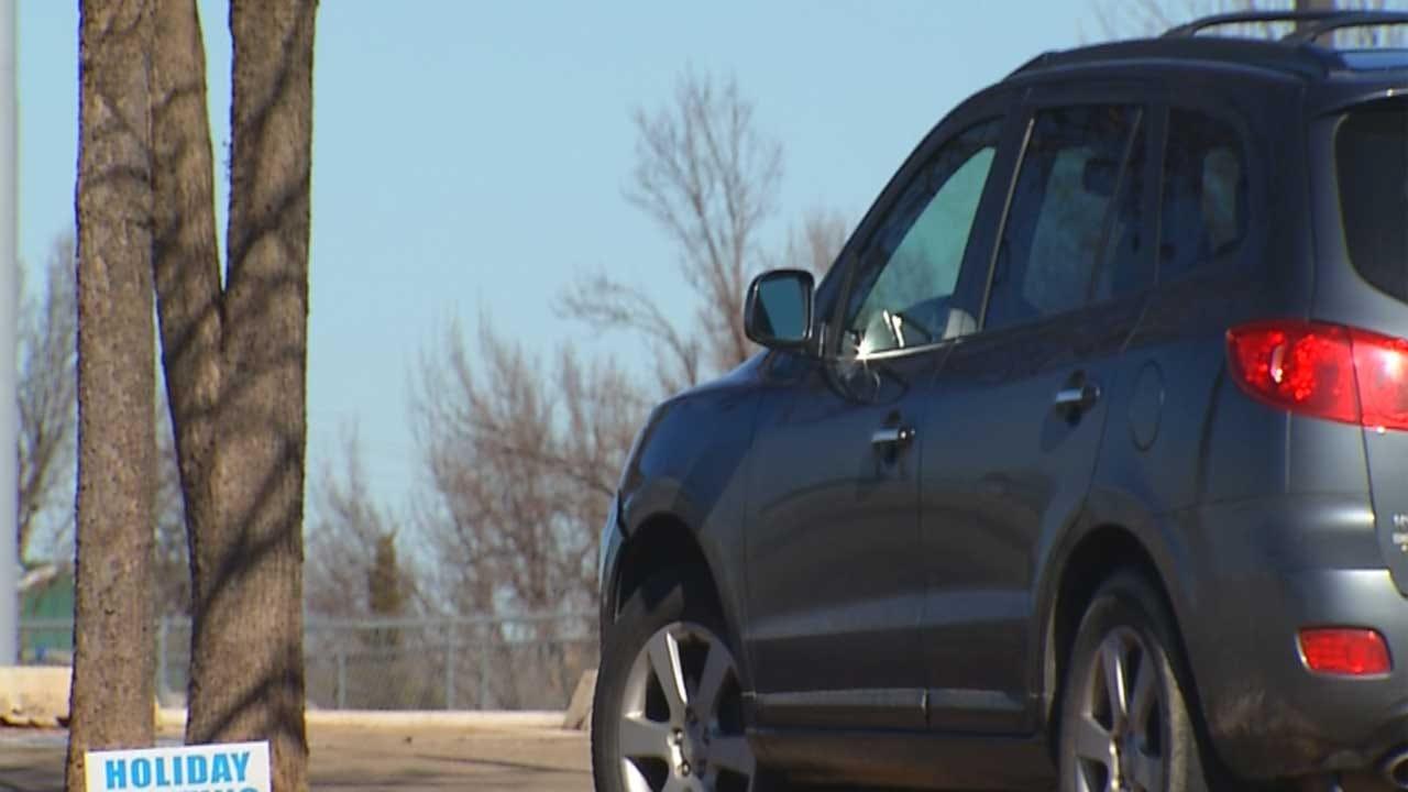 Police Respond To Multiple Car Burglaries At Edmond Park
