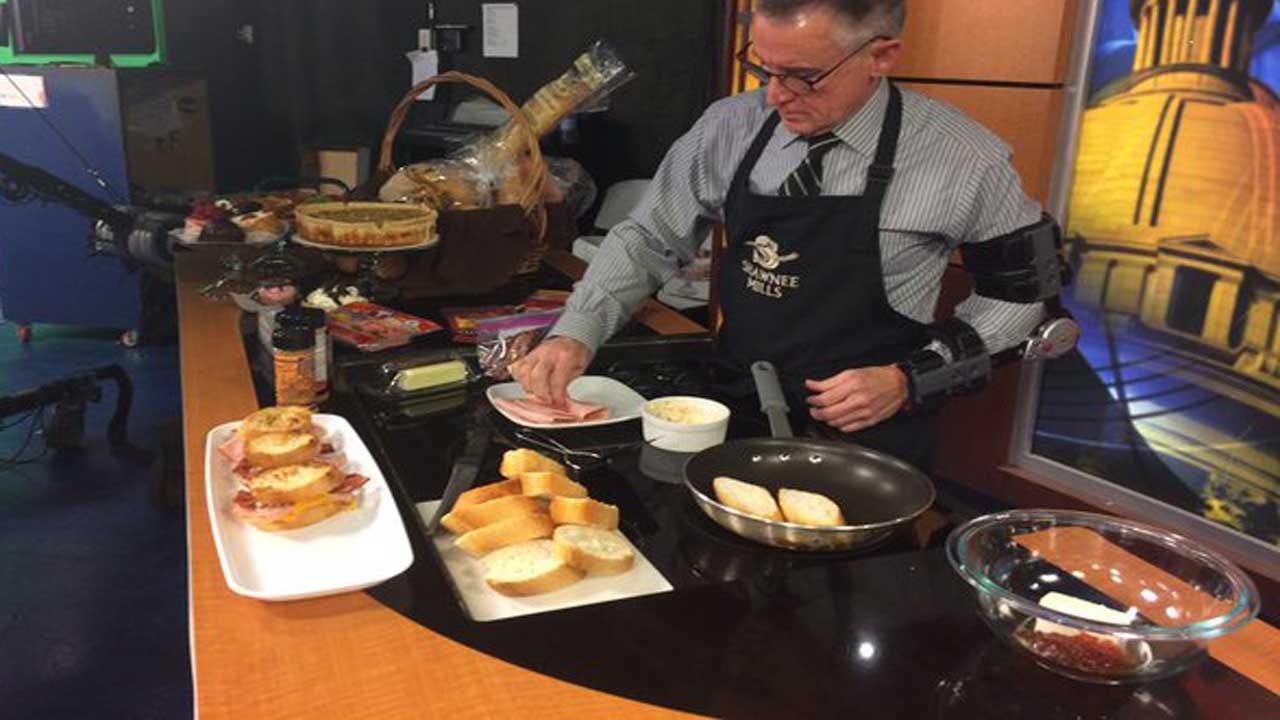 MIO: Hot Ham and Cheese Sliders