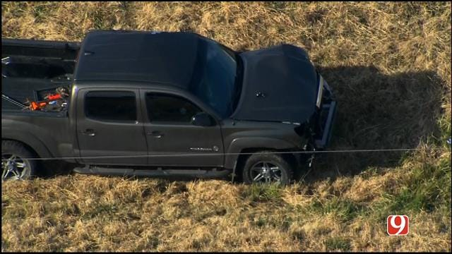 Crews Clear Scene Of Multi-Vehicle Crash On I-35 NB In Moore