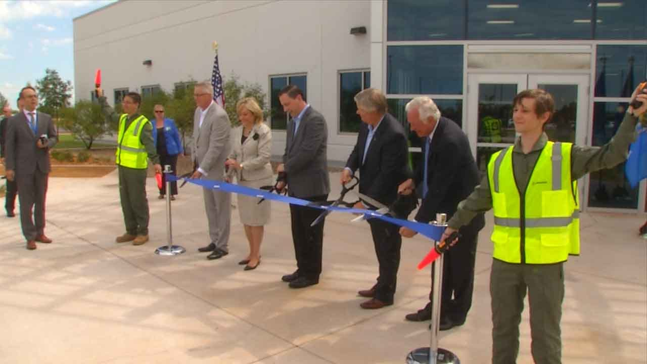 Ribbon Cutting Held For New Boeing Lab In OKC