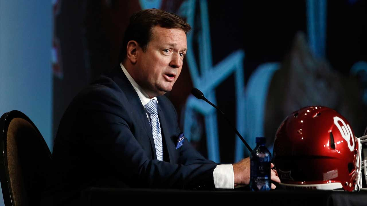Bob Stoops Talks With Reporters at Big 12 Media Day