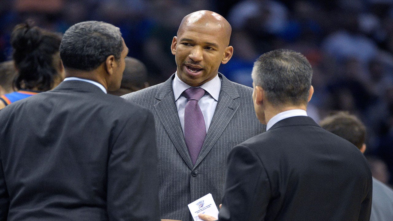 Former Thunder Assistant Monty Williams to Join Spurs Staff