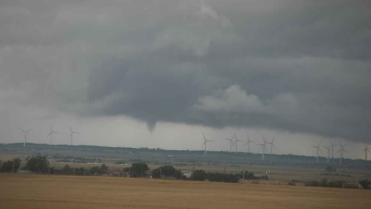Tornado Briefly Spins Up West Of Okarche