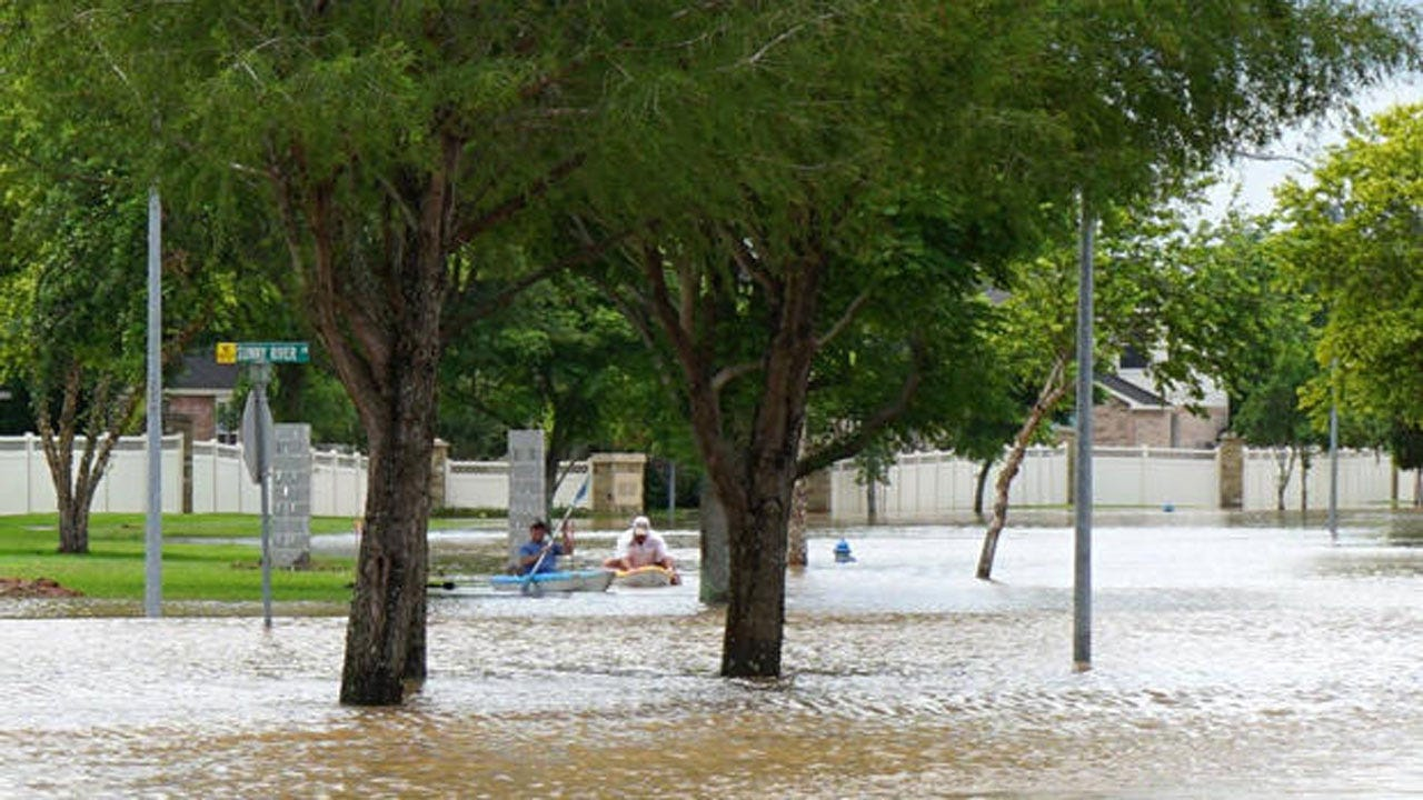 Crews Search For Soldiers Missing In Texas Flooding