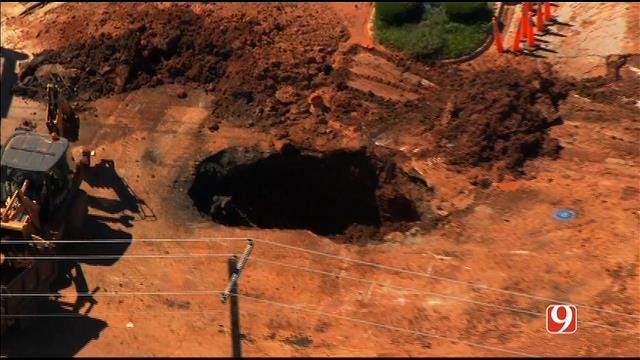 Water Main Break Closes S.E. 15th In Midwest City