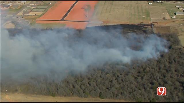 Crews Battle Grass Fire Near Newcastle