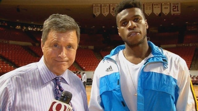 WATCH: Dean Goes 1-On-1 With Buddy Hield After Final Home Game