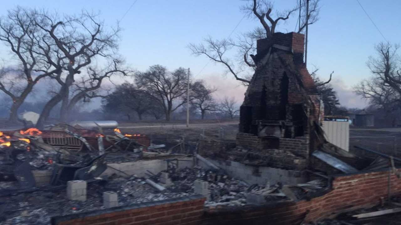 Firefighters Working To Contain Large Wildfire In Oklahoma, Kansas