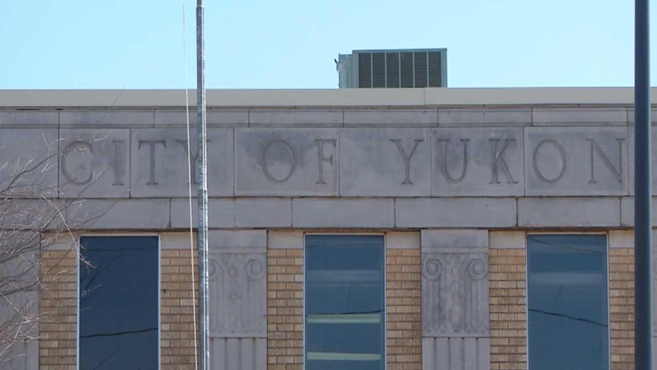 Yukon Mayor Addresses Financial Crisis