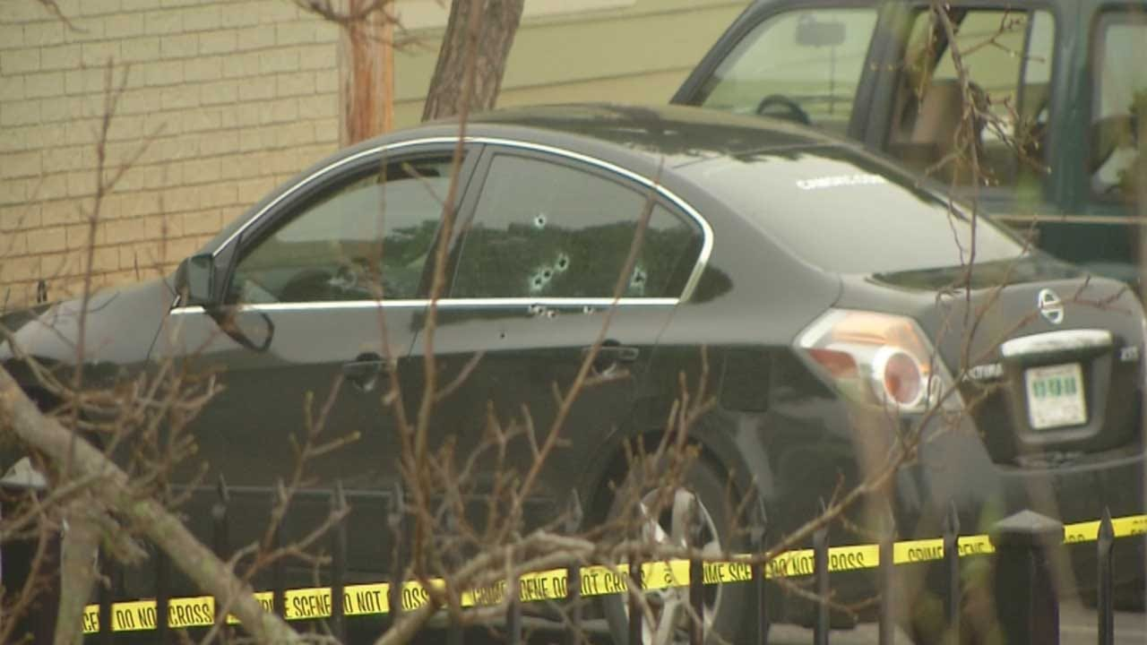 Man Found Dead Inside Vehicle At Del City Apartment Complex