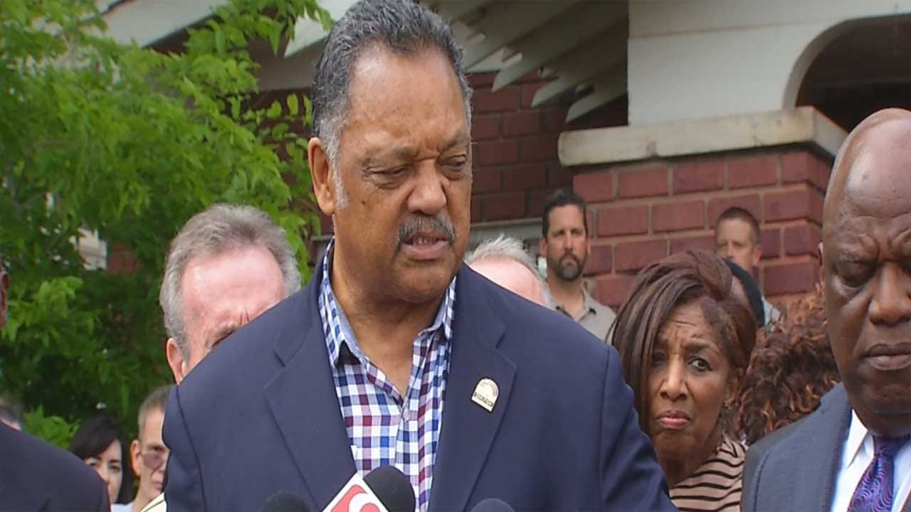 Jesse Jackson Urges Lawmakers To Accept Obamacare Dollars