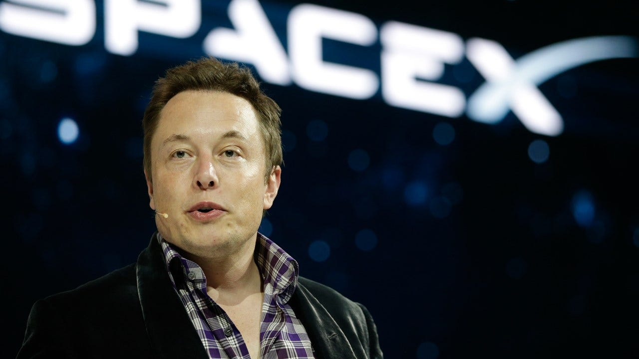 SpaceX CEO Elon Musk Unveils Grandiose Plan To Colonize Mars
