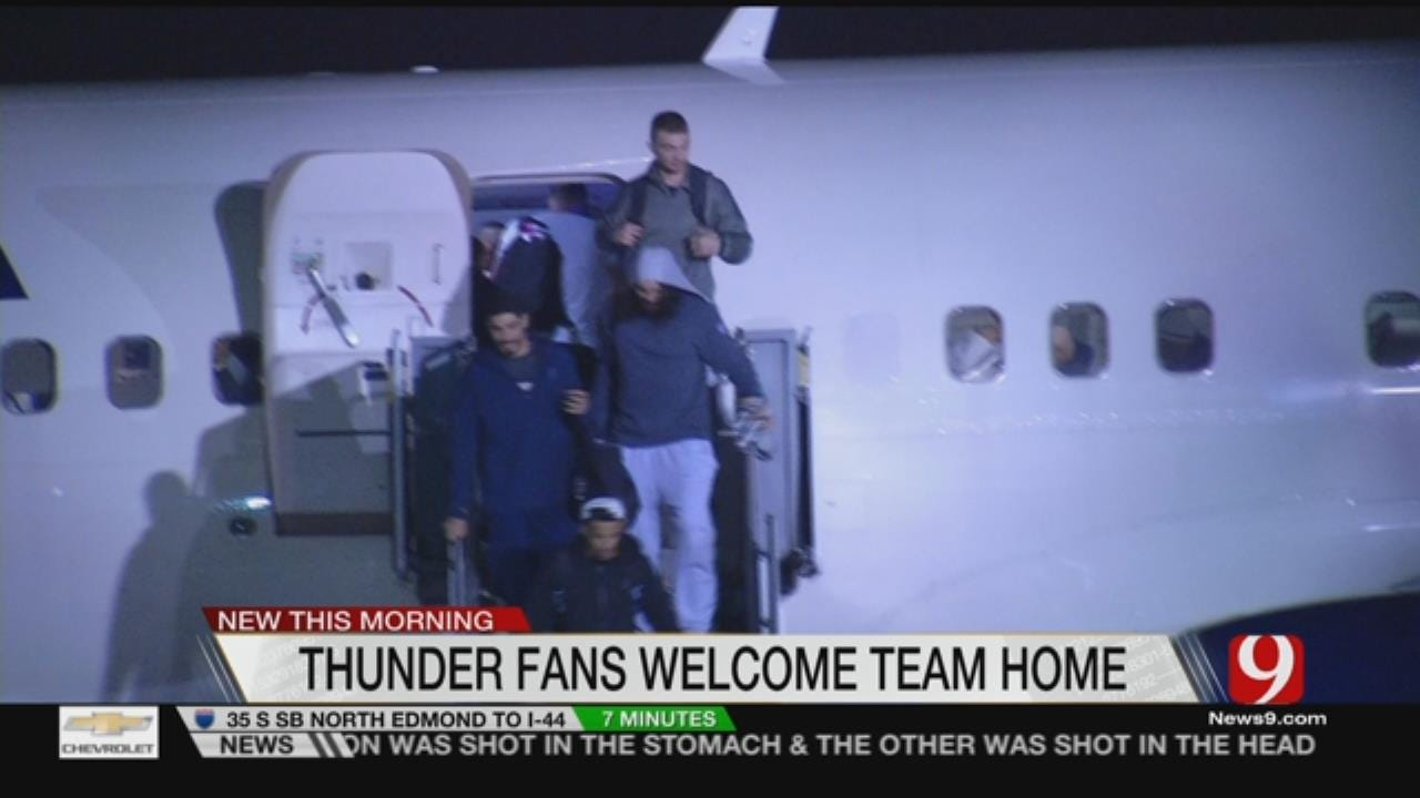 Thunder Greeted From Final Road Trip With Giant Crowd
