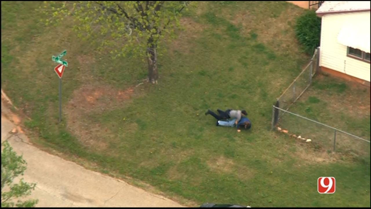 Suspect In Custody After Chase, Brawl With OKC Police