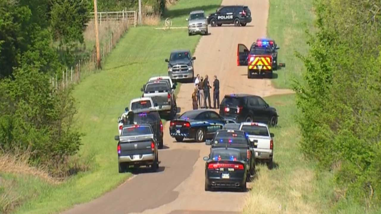 Neighbor Recounts Search For Man Accused Of Killing Logan Co. Deputy