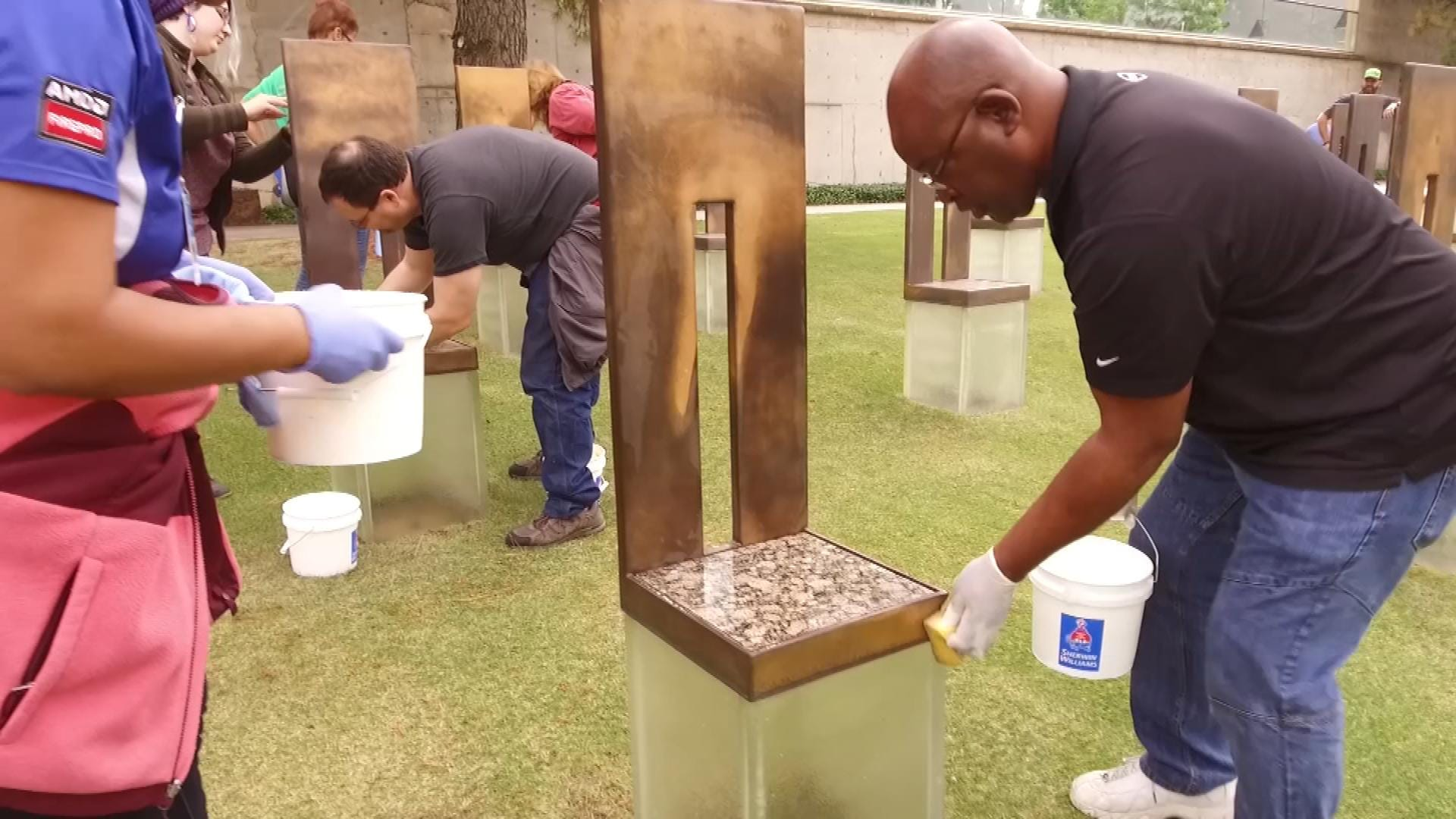 Dell Employees Continue Tradition Of Cleaning Memorial Chairs