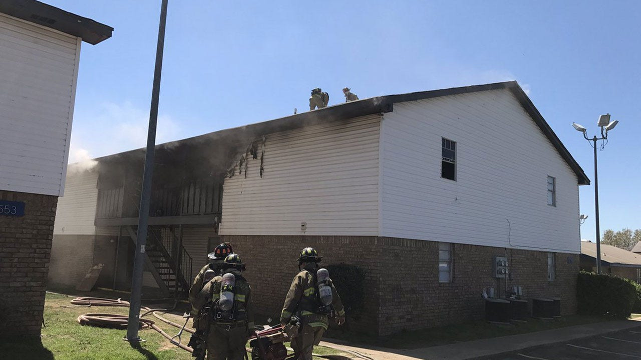 Firefighters Extinguish Apartment Blaze In Western OKC